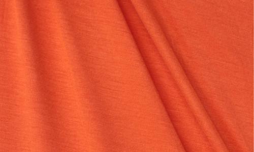červeno-oranžová